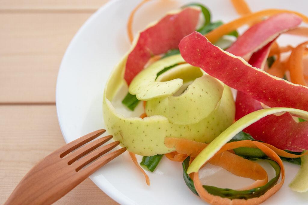 果物と野菜の皮 フードロスのイメージ